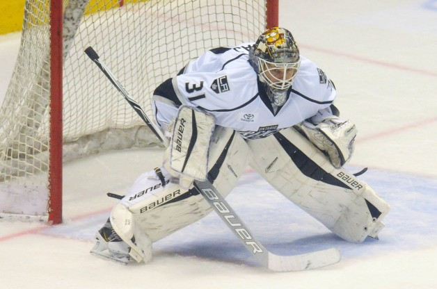 Reign S Budaj Piling Up Ahl Awards For Net Excellence