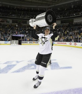 SAN JOSE, CA - JUNE 12: Beau Bennett #19 of the Pittsburgh Penguins celebrates with the Stanley Cup after their 3-1 victory to win the Stanley Cup against the San Jose Sharks in Game Six of the 2016 NHL Stanley Cup Final at SAP Center on June 12, 2016 in San Jose, California. (Photo by Bruce Bennett/Getty Images)